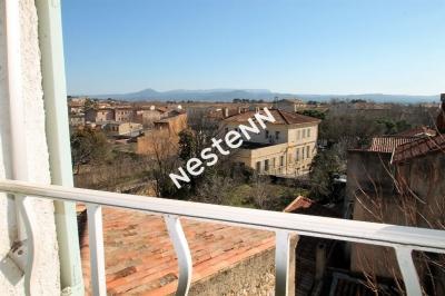 Terrasse et vue pour ce beau T4 en centre ville