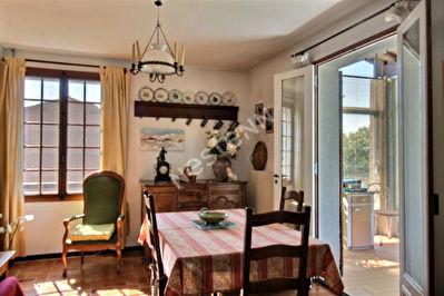 Cadenet - Maison 2 chambres et dependances sur 450 m2 de terrain clos