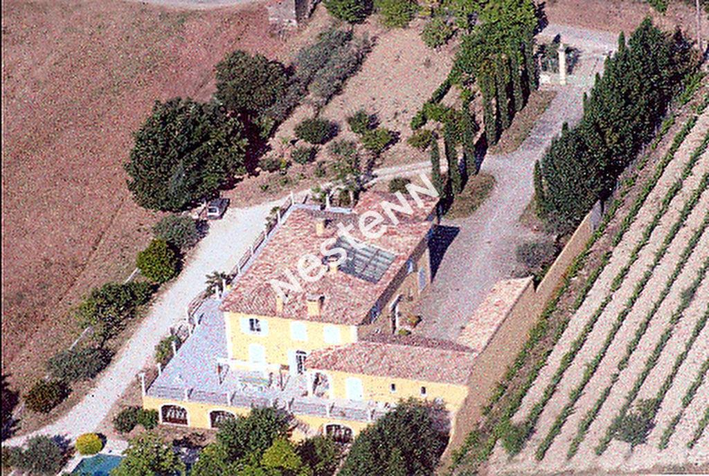 Imposante Bastide de 480 m2 - piscine à débordement et étang privé