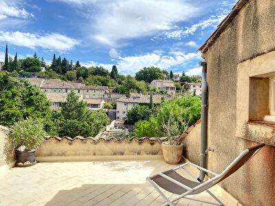 Exclusivite - Maison de village avec exterieur - Cabrieres D Aigues 3 pieces 65 m2