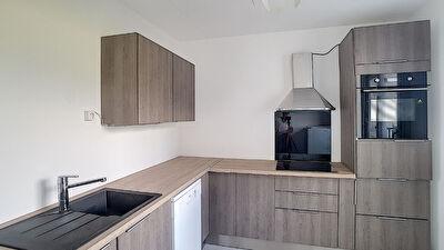 Appartement fraichement renove Grenoble, lumineux, 3 chambres sans vis a vis