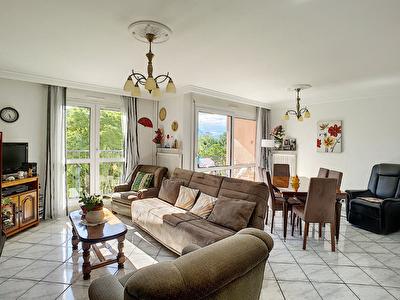 Appartement a vendre sur Grenoble 4 pieces de 89 m2 avec terrasse et place de parking