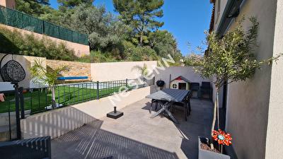 Maison Cuers 4 pieces 90 m2 - Sans travaux, 3 chambres, garage, jardin, piscine