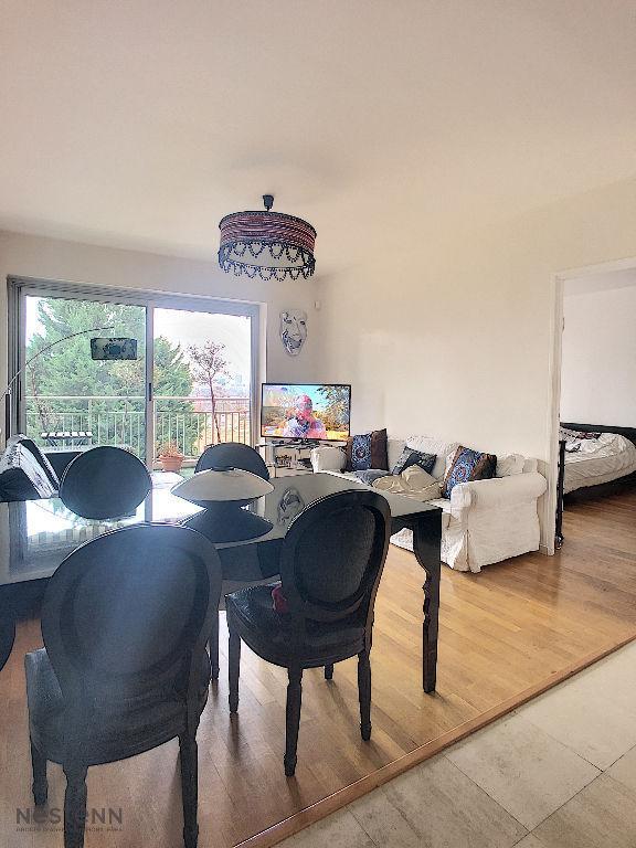 photos n°1 Appartement Caluire Et Cuire 5 pièce(s) 107 m2