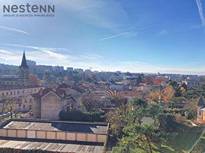 Appartement 2 pieces - Caluire Le bourg