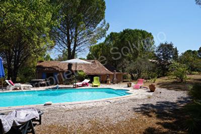 CARCES Villa 107m2 sur 2500m2 avec piscine