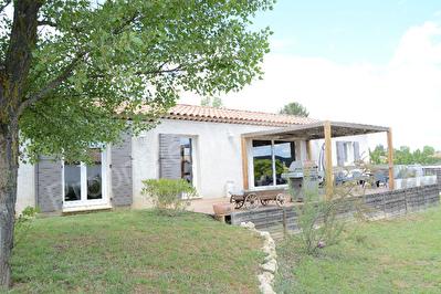 Villa Le Val 5 pieces sur 918m2