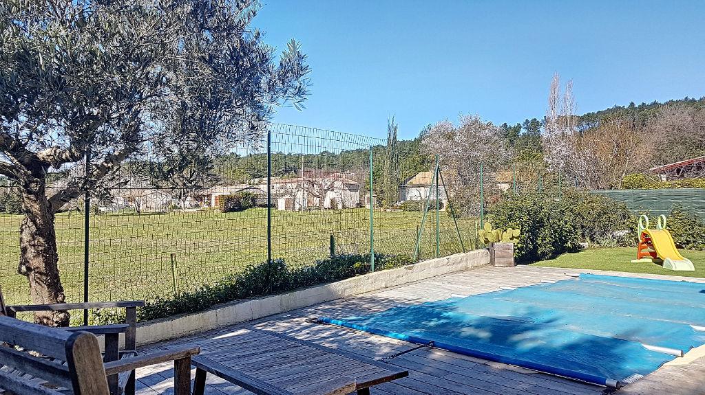 photos n°1 Villa T4 avec piscine en lotissement calme à Brignoles