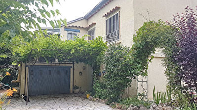 Villa T3/4 de 78,96m2 en R+1 avec sous-sol amenage et garage sur 514m2 de jardin