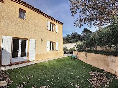 Villa T4 en R+1 de 97m2 sur 260m2 de terrain clos + parking privatif - quartier calme Brignoles