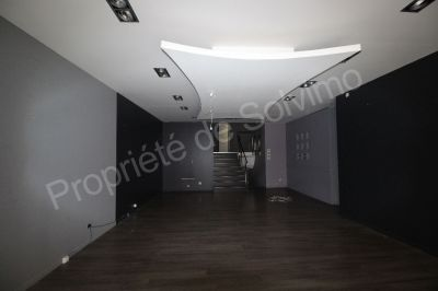 local commercial 85m2