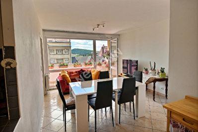 Appartement Metz 3 pieces -chambre-bureaux-balcon- garage