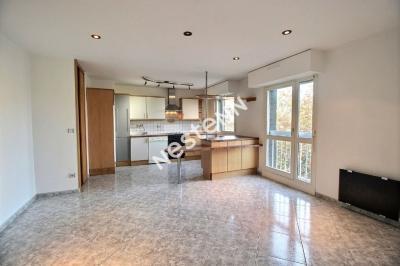 Appartement F3 Metz - 2 chambres - Garage ferme - Balcon - Copropriete arboree et securisee