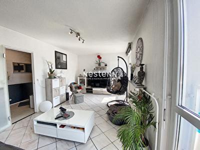 Appartement 3 chambres- Metz Devant Les Ponts - Lumineux - Cave - Dernier etage
