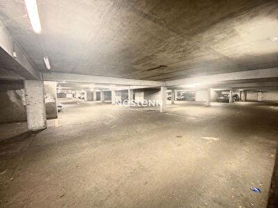Parking ferme securise - Portail electrique - Metz Borny- Rue du Bearn