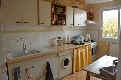 Appartement  4 pieces 68.6 m2 avec Garage