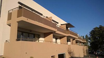 3 pieces 65m2 avec terrasse et parking