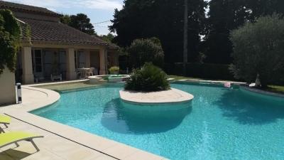 Villa 150m2 avec jardin et piscine a debordement