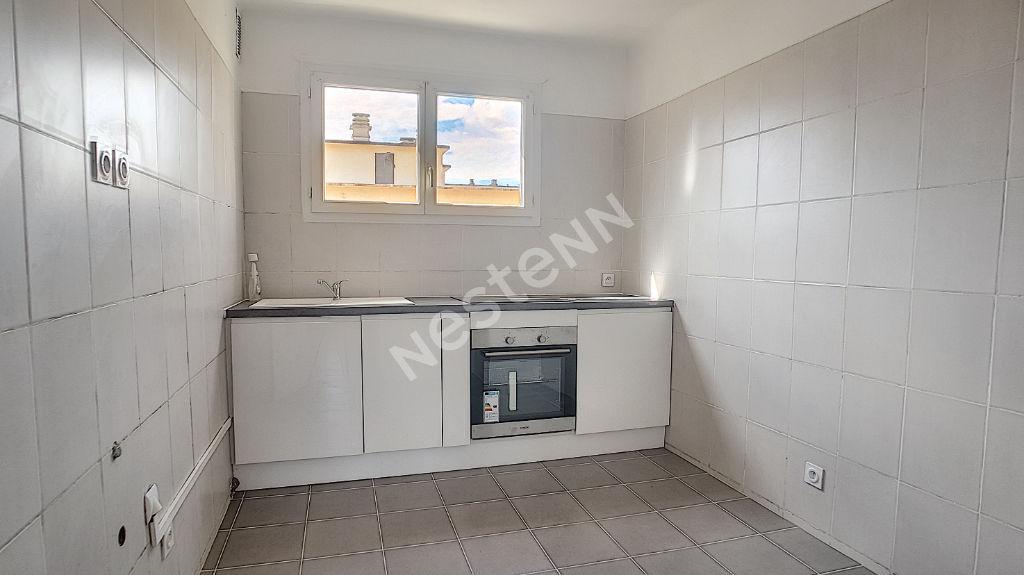 Appartement Perpignan 5 pièces 85 m2 avec garage, parking et cellier