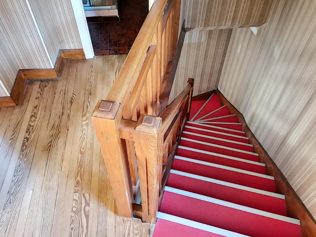 Lavelanet a vendre maison T3 avec sortie, bon emplacement