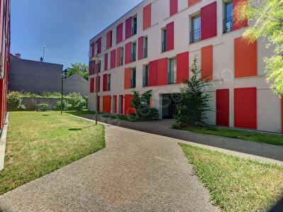 Appartement Romainville 3 pieces 72 m2 EN DERNIER ETAGE triple exposition N S O