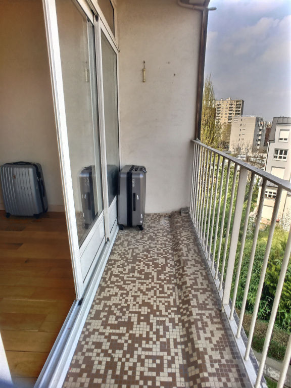 Appartement Pantin 5/6 pièce(s) 90 m2 TRAVERSANT avec balcon
