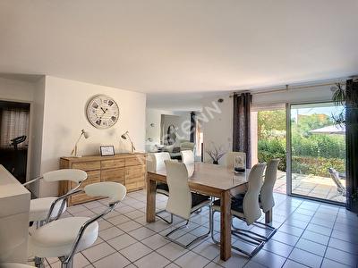 Villa Vauvert 6 pieces 150 m2 de plain-pied sur 5700 m2 de terrain