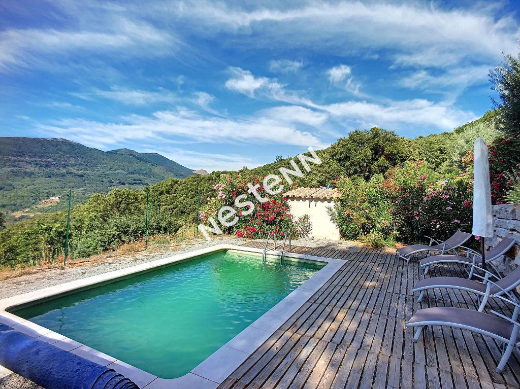 Maison proche de Saint Hippolyte du fort, 11 pièces 240 m², en Cévennes Méridionales, avec vue exceptionnelle sur la vallée.