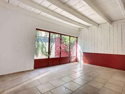 Maison Aigues Mortes, 5 pieces, patio, garage