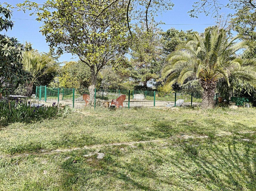 Mas d'architecte avec piscine à Aimargues 6 pièces 261 m² sur 6670 m²  de terrain.