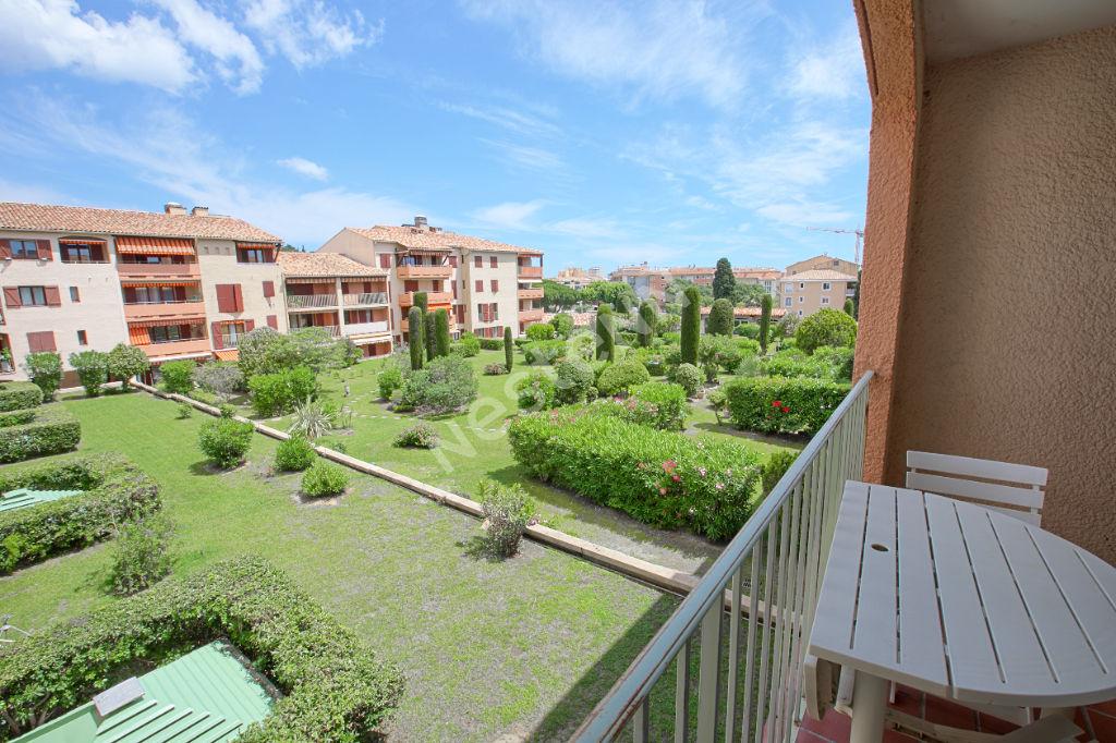 photos n°1 Appartement Sainte Maxime 1 pièce(s) 40 m2