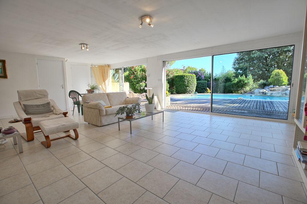 Maison L Isle Sur La Sorgue 6 pièce(s) 269 m2