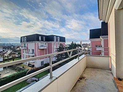 Appartement Villeneuve Saint Georges 4 pieces 79.17 m2
