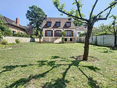 Maison Yerres 6 pieces 156 m2