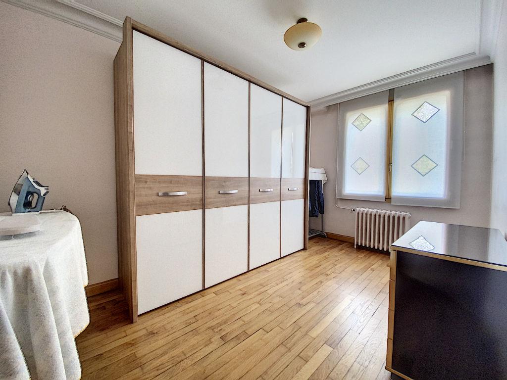 Maison Villeneuve Saint Georges 6 pièce(s) 117 m2