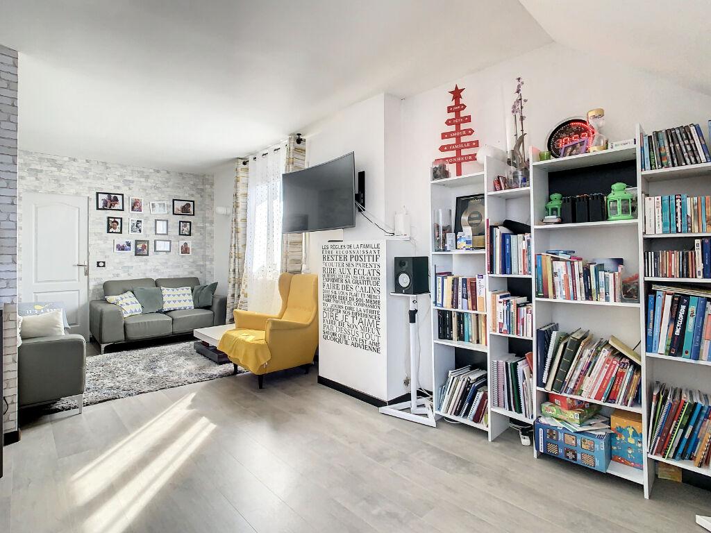 Appartement en duplex de 4 pièces 110.8 m2