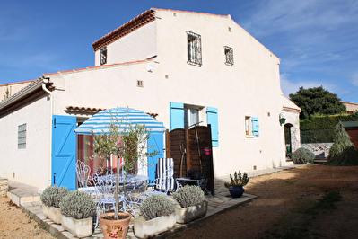 Plan de Cuques Villa 5 Pieces avec piscine et studio
