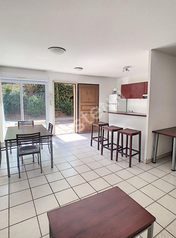photos n°1 Appartement Plan De Cuques 3 pièce(s) 66 m2