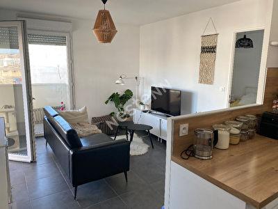 Appartement  Marseille 13015 - 2 pieces 44m2 + terrasse 10 m2