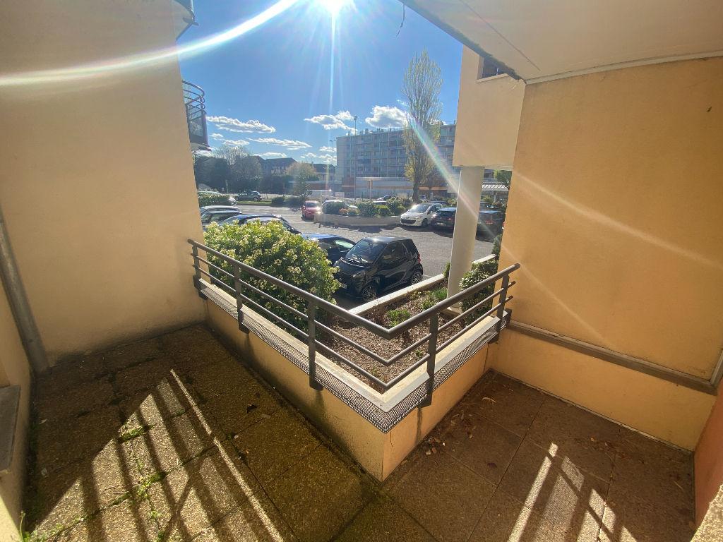 ANNEMASSE Place de l'Etoile  - Studio Bis + balcon