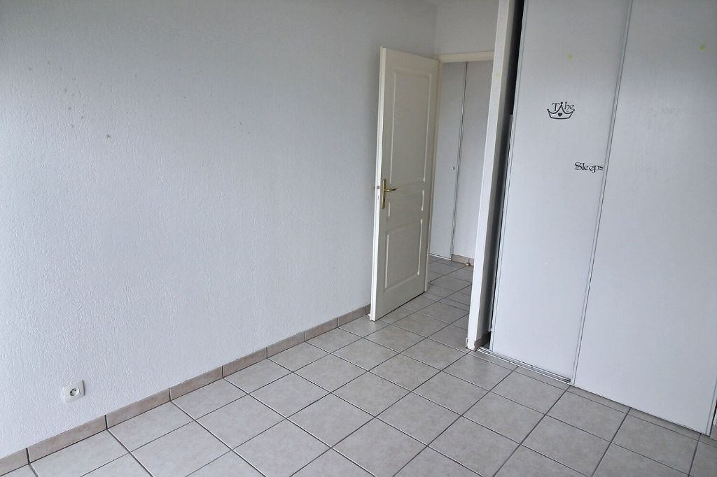 ANNEMASSE  Appartement Attique + parking priv.