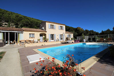 Villa T4/5 185 m2  sur 3750 m2 de terrain AURIOL