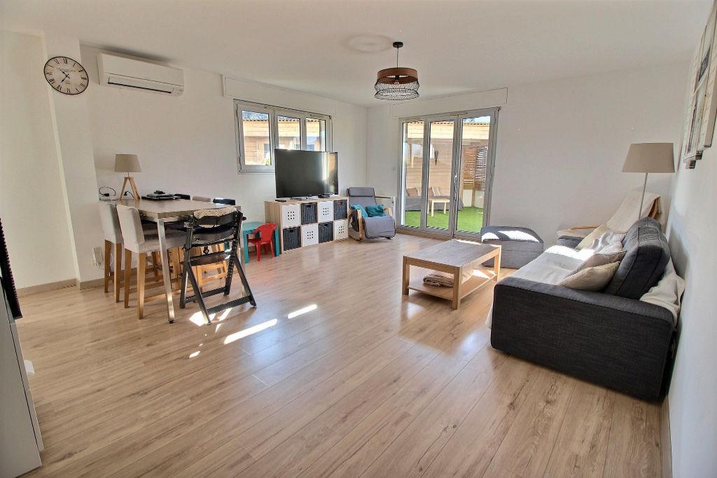 photos n°1 Appartement Aubagne 4 pièce(s) 103.35 m2 et 120 m² de terrasses