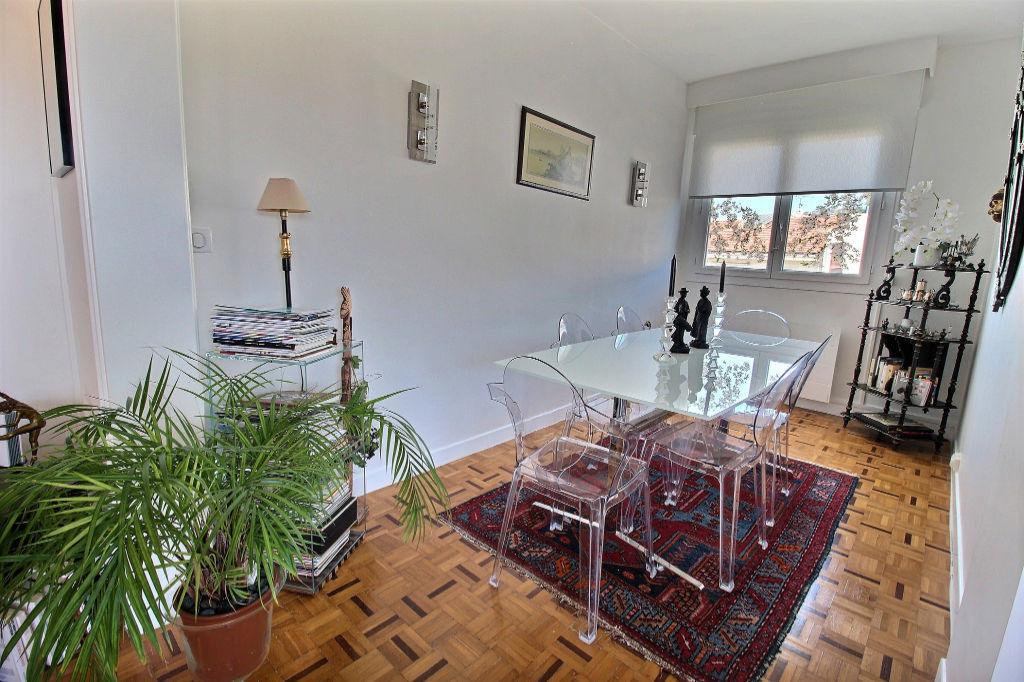 Appartement Aubagne 3 pièce(s) 84 m2