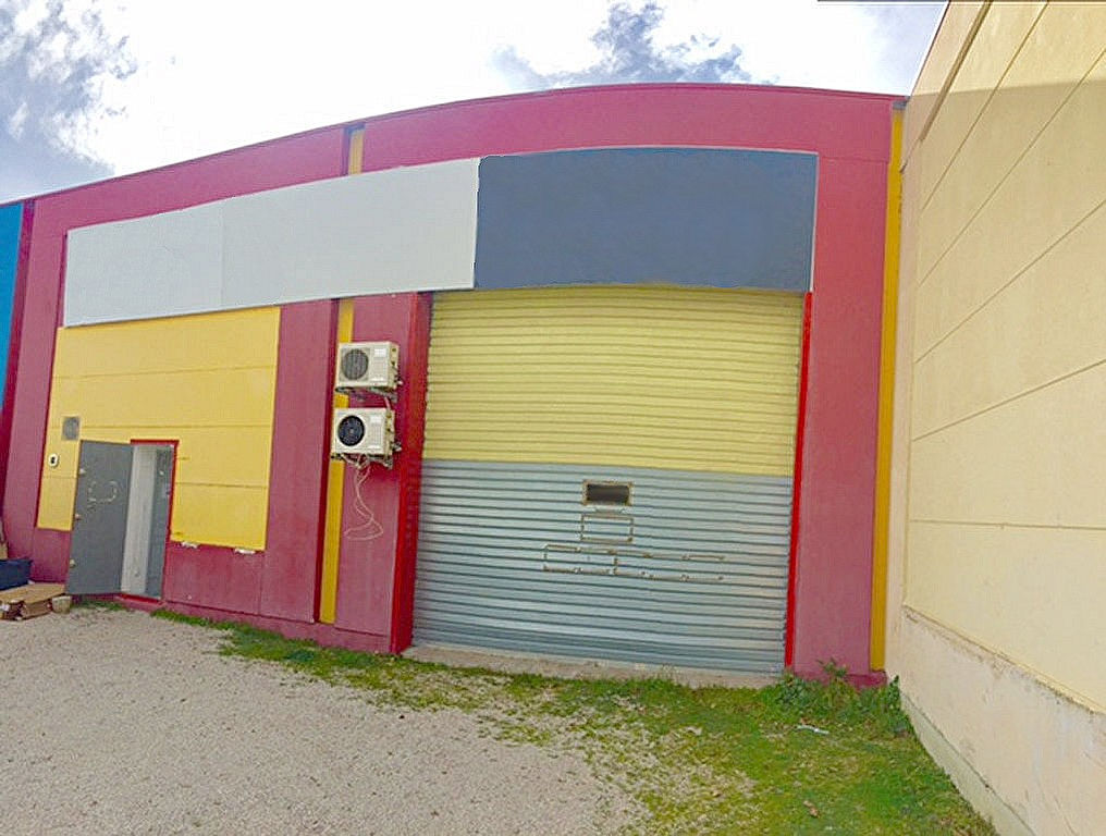 photos n°1 Local commercial 319 m² ISTRES LE TUBE