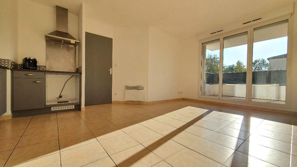photos n°1 Istres, Appartement 2 pièce(s) + 2 places de stationnement