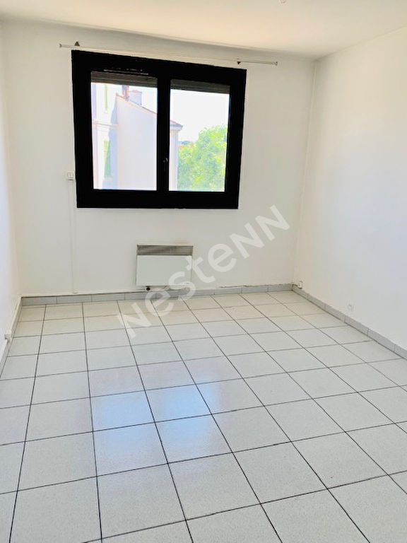 appartement T3  64 m² Marseille 8