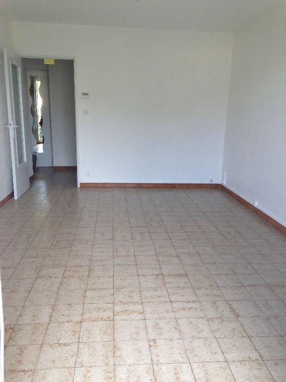 Istres, Appartement  3 pièce(s) 60 m2 + Cave