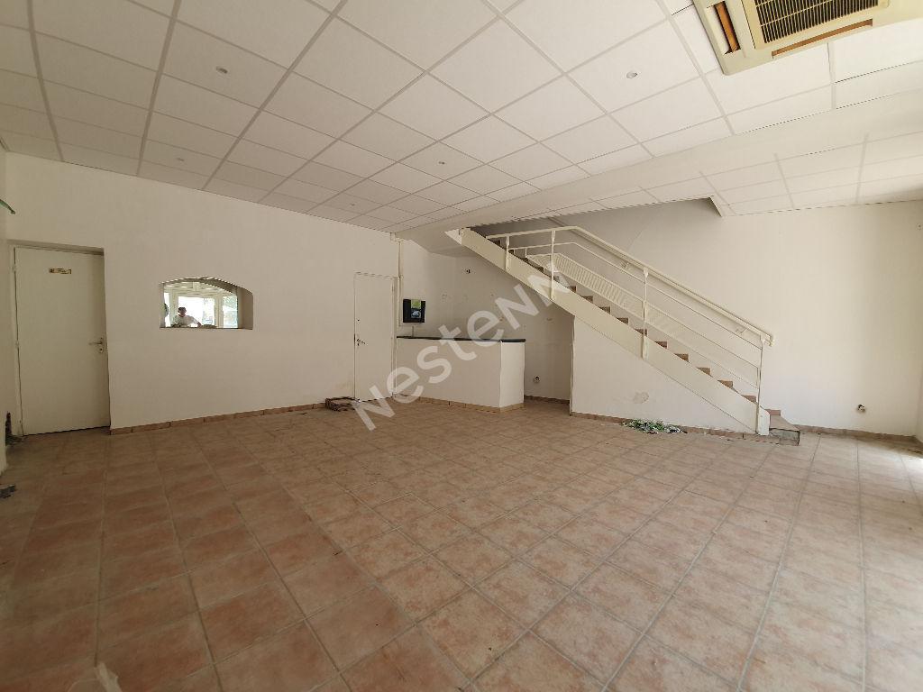Istres, Local commercial 105m2 en centre ville
