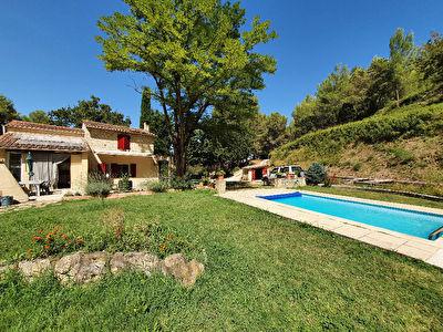 Istres, Maison T4 en campagne, dependances, jardin et piscine